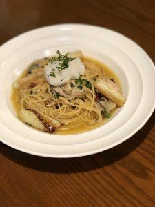 牡蠣と県産やわはだネギ・おろしポン酢の燻製オイルパスタ